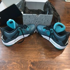 Jordan 4 Retro 30th Teal